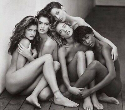 Stephanie Seymour - With The Other Super Models Huddled Nude Together !!!