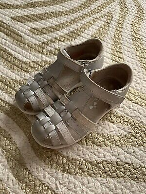 """Girls Sandals - Airflex """"Luppo"""" Silver Leather - Size 9"""