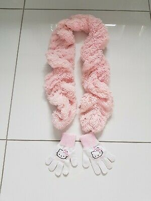 Girls fluffy Scarf And Hello Kitty Gloves aged 3-6 years