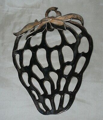 Vintage Leonard Silver Plate Italy Strawberry Trivet EP Zinc Footed 10.5 x 7.5