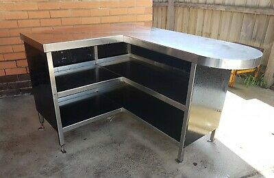 Stainless Steel Benchtop. Was a shop counter, very sturdy.