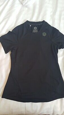 Ladies Under Armour Gym quick dry Tshirt. Size Small. Fits size 8-10