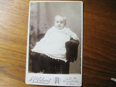 Antique Cabinet Card Photo Infant Boy Grand Forks N. Dak. A.p.  Holand Studio