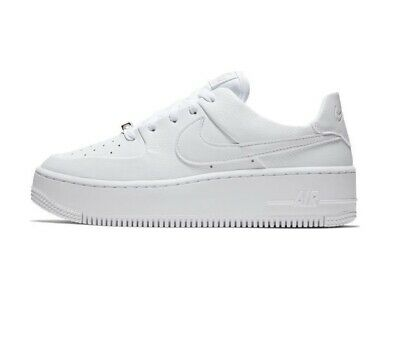 Scarpe Donna Nike Air Force 1 Sage Low Platform Sneakers Sportive Pelle Bianca