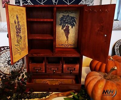 Armadio con triskell, witchcraft, box wicca, pagan