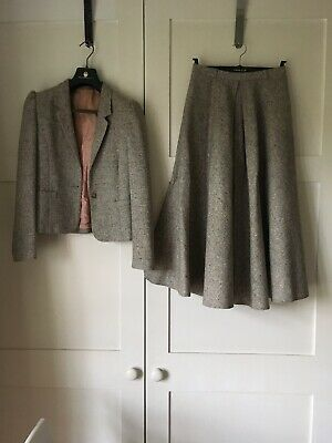 Ladies beige/brown flecked wool flared skirt and fitted jacket by Reldan 1980s