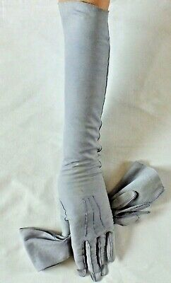 VINTAGE GLOVES in soft pale blue Suede.Elbow Length.