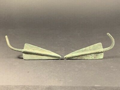 Lovely Pair Of Ancient Greek Hellenistic Bronze Arrow Heads Circa 332-31Bce