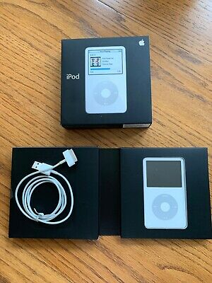 Apple iPod Classic 5th Generation White (30 GB) model A1136 with cord and box