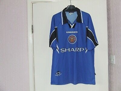 Vintage Manchester United replica away shirt, size M (slight damage)
