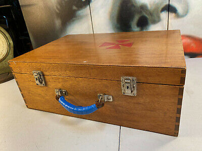 Antique Vintage Australian Qld Maple Collectors Portable First Aid Timber Case