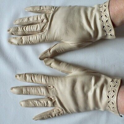 VINTAGE GLOVES Cream Leather with Cutwork  SIZE 7  LOVELY