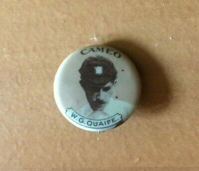 Rare Cameo Cricket Badge W.G. Quaife English Cricketer
