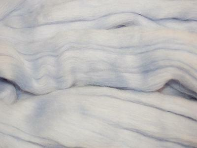 Pale Blue Merino Wool fibre roving / tops - 50g - needle felting / hand spinning