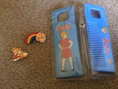 1981 vintage LITTLE ORPHAN ANNIE movie comb mirror collector pin barrette clip