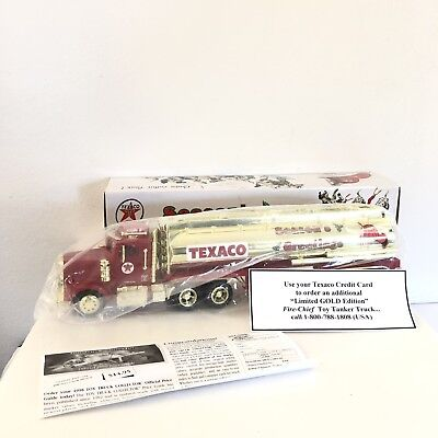 1998 Texaco Seasons Greetings Fire Cheif Tanker Truck Lights Sounds 1/32 Scale