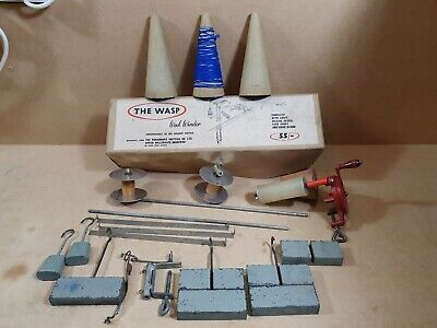 Vintage 60's The Wasp Wool Winder Boxed