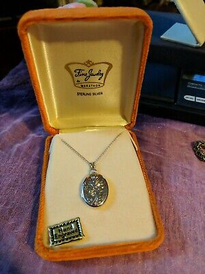 Nib Sterling Silver Small Oval Locket W/  Sterling Chain By Marathon Necklace