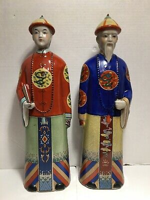 """PaIr Large Chinese Porcelain Figurines Of Chinese Men Famille Verte 17"""" 43cm"""