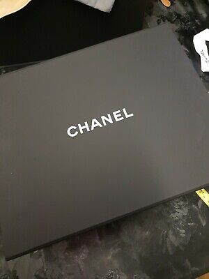 Chanel magnetic empty box size33x26.5x13cm