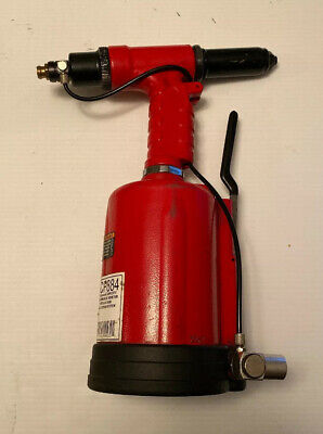 """Cp884 Chicago Pneumatic 1/4"""" Capacity Air Hydraulic Riveter With Case"""