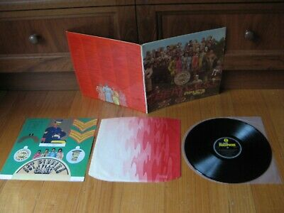 BEATLES - Sgt Peppers LP - 1967 FIRST PRESS Oz MONO - COMPLETE ALL ORIG CONTENTS