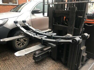 Pair of SUPER DUTY TOYOTA HILUX 4WD rear 5+2 leaf springs 2016 on with U bolts