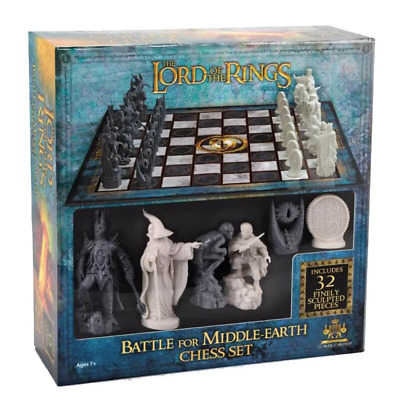 The Lord of the Rings Battle for Middle Earth Chess Set NEW