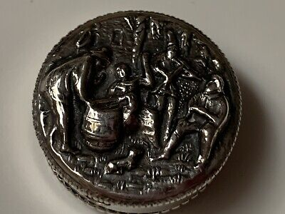 Swedish Silver 830 Picture Locking Pill Box With Stunning  Protruding Detail