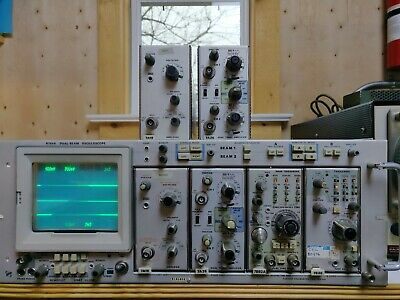 Tektronix R7844 Oscilloscope with 6 modules, TESTED WORKING