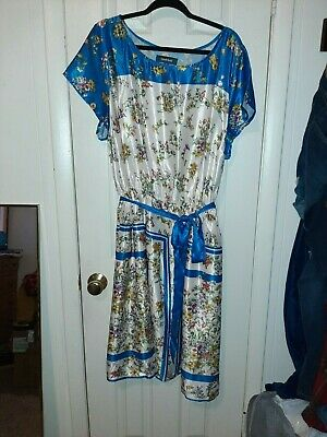 Mod Cloth Satin Floral Dress with pockets size 4xl blue satin belt tie