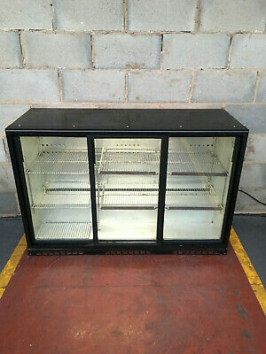 Interlevin 3 Door Slider Under Counter Drinks Display / Bar Chiller/ Fridge