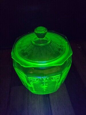 Princess Green URANIUM DEPRESSION GLASS by ANCHOR HOCKING Cookie Jar with Lid