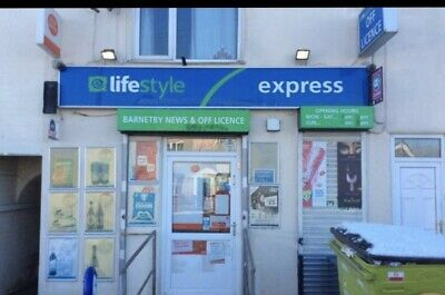 Off licence & Post Office 07429933753