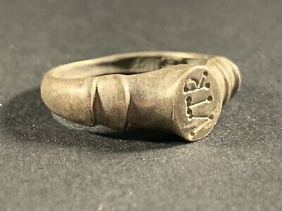 Ancient Roman Solid Silver Legionnaire Ring With Vtr On Bezel - Circa 50-200Ad