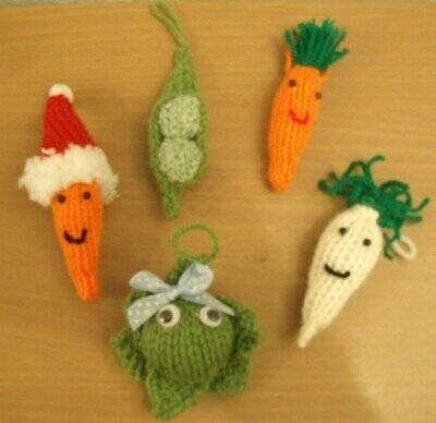 Knitting Pattern Christmas Tree Decorations  Sprout Carrots Peas & Parsnip  (2)