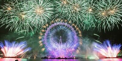London New Years Eve Fireworks - December 2019 - RED Area X2
