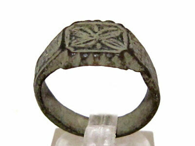 Beautiful Byzantine  Bronze Seal Ring+++As Found+++Top Floral Decoration+++