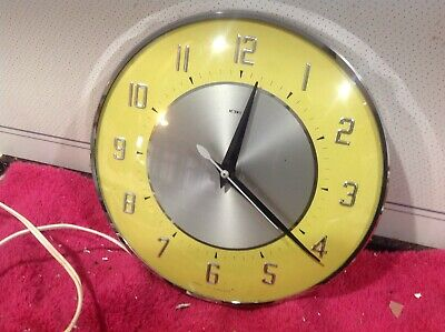 Vintage Retro Metamec Kitchen Yellow  Wall Clock  Working