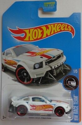 2005 Ford Mustang 2017 Hot Wheels White Kmart Only WK16