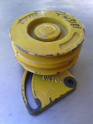 Caterpillar idler pulley assembly 2W3181 old stock item. Suit 3208 engine.