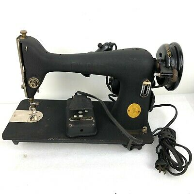 Antique / Vintage Electric Cast Iron Pedal Singer Sewing Machine AH230484