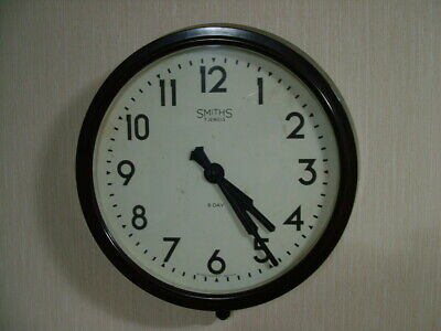 Bakelite Smiths 8 day wall clock vintage working keeping good time wind up