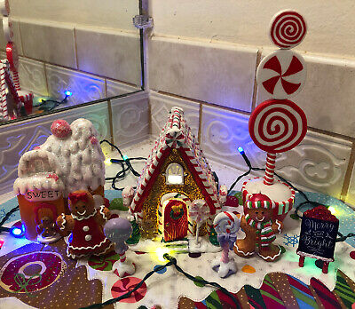 Gingerbread House Light Up Village Candy Cane Lane 8 Pieces 🍭🎄 So Cute