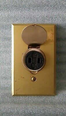 VTG ARROW 8615 Porcelain Socket & #40 Brass Receptacle Plate W/H & H Screw Plug