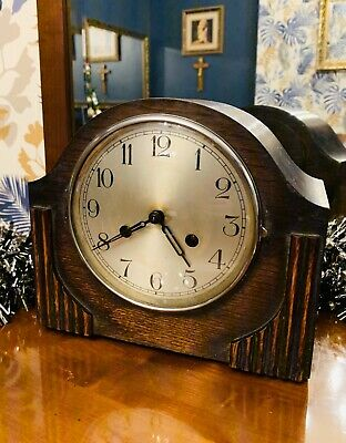 Nice 1930's Oak cased 8 day chiming mantle clock by Kienzle of Germany