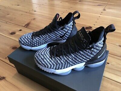 Nike Lebron 16 - Oreo Size 8.5 Pre-owned But In Excellent Condition