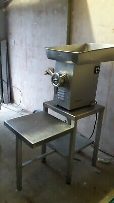 Meat mincer Omega TL32 complete with stainless steel stand. Viewing recommended