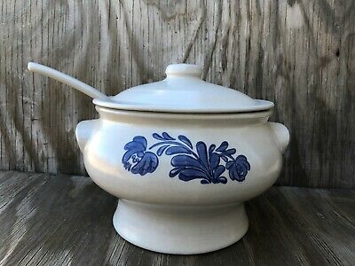 Pfaltzgraff Dishes Yorktowne Large Soup Tureen With Lid & Heavy Ladle 7-160