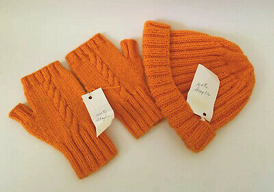 NWT Hand Knit Hat And Fingerless Mittens Orange